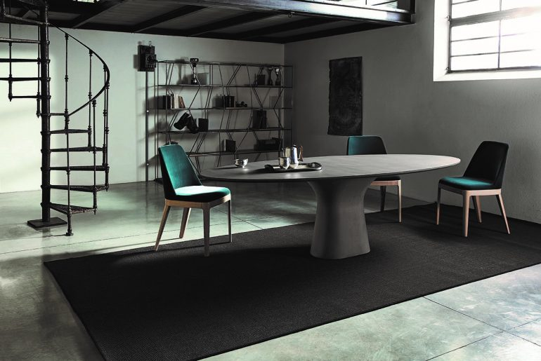 A smart choice: solid and light concrete tables